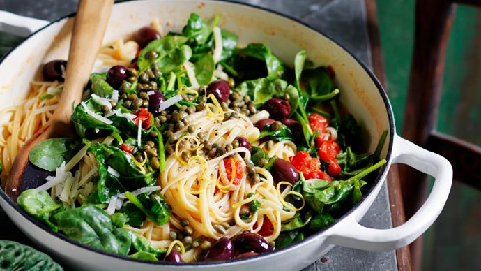 Spinach tomato and lemon one pot linguine