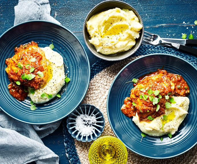 "**[Paprika chicken](https://www.womensweeklyfood.com.au/recipes/paprika-chicken-31725|target=""_blank"")**  Tender pieces of chicken in a fragrant creamy sauce, this slow- cooker paprika chicken served with creamy mash is the embodiment of comfort food."