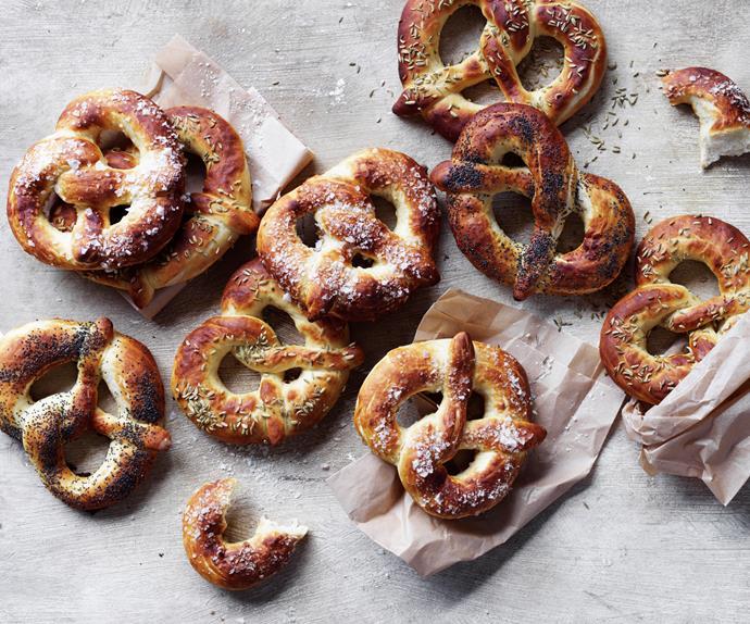 Poppy seed pretzels