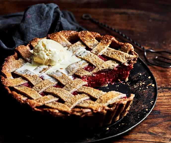 """With its artistic latticework, this [vibrant rhubarb tart](https://www.womensweeklyfood.com.au/recipes/rhubarb-chia-lattice-tart-31873