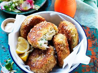 Crab cakes with apple salad