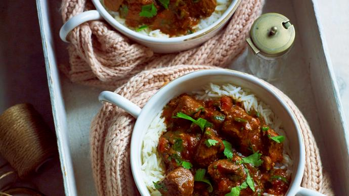Pressure-cooker lamb in spicy tomato sauce