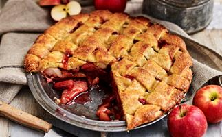 Women's Weekly apple and rhubarb pie