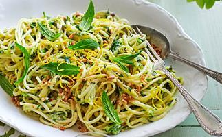 Linguine with zucchini, ricotta & mint