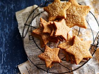 Latte shortbread stars