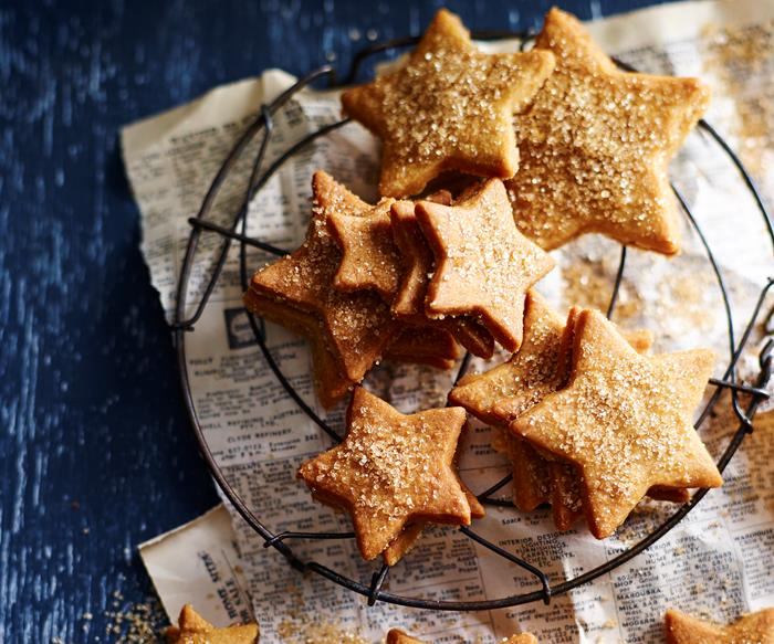 Latte shortbread stars