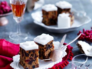 Ginger beer fruit cake