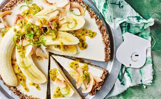 No·bake banana coconut pie