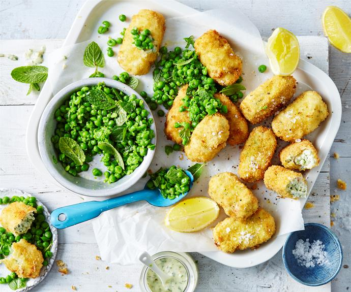 """A great way to get kids to eating fish with these [fish fingers and mushy minty peas](https://www.womensweeklyfood.com.au/recipes/fish-fingers-with-mushy-peas-32262