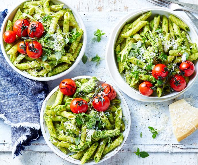 """**[Chicken pesto pasta with tomatoes](https://www.womensweeklyfood.com.au/recipes/chicken-pesto-pasta-32281