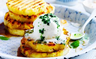 Mint syrup with grilled pineapple
