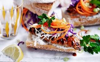 Hot dogs with crunchy slaw