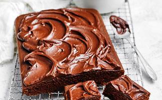 One-bowl chocolate velvet cake