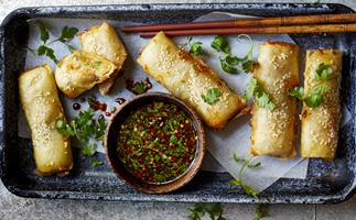 How to make Chinese prawn roll in your sausage roll maker