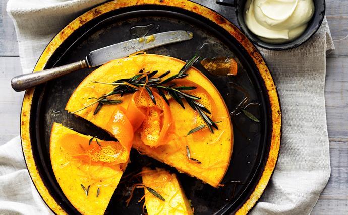 Whole orange semolina cake WITH ROSEMARY SYRUP
