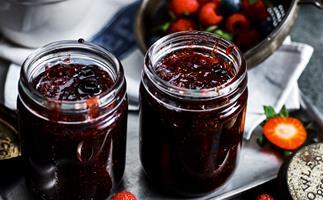 Ingredient>mixedberry jam