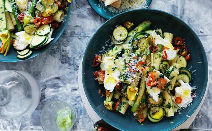 Rigatoni with zucchini and chilli