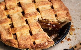 Deep-dish almond and apple pie