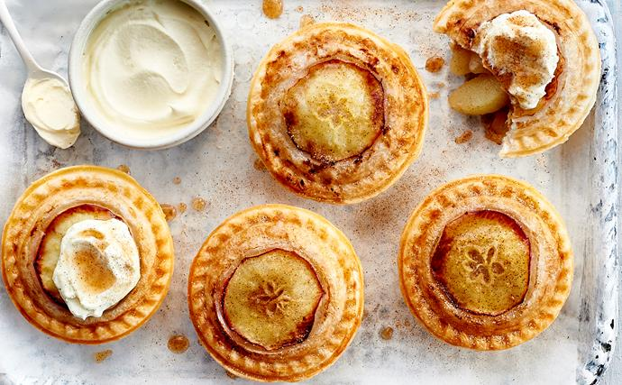 How to make apple pies in your pie maker