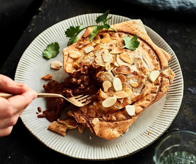 """**[Make butter chicken roti pies in your pie maker](https://www.womensweeklyfood.com.au/recipes/pie-maker-butter-chicken-roti-pie-32573 target=""""_blank"""")**  Make the most of this humble appliance."""