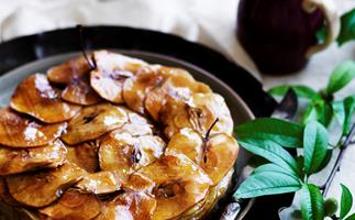 Pure apple cake with golden syrup custard
