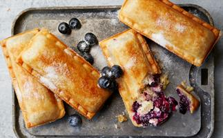 How to make blueberry hand pies in your sausage roll maker