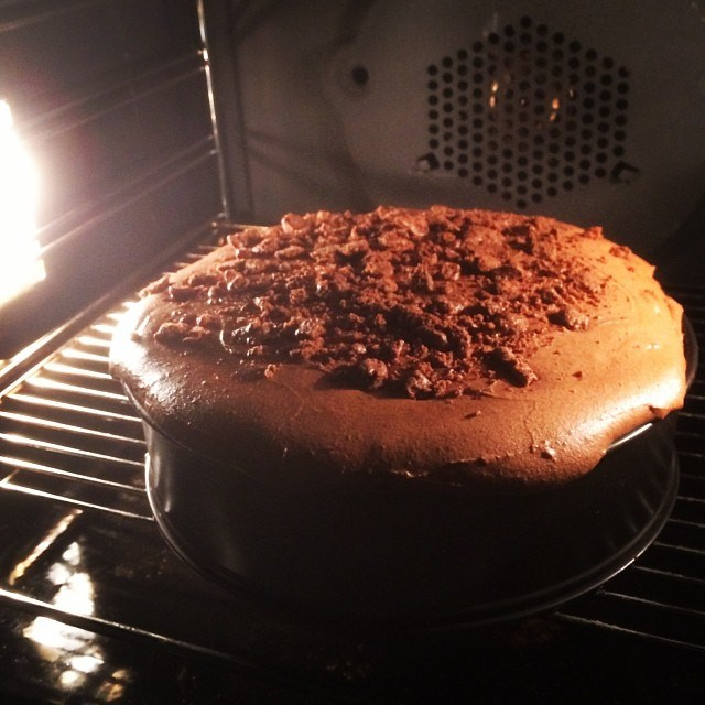 """""""Tim tam cheesecake... I think this might be my greatest invention hahah #robynlawleyeats #foodporn"""" We think she might be right…"""