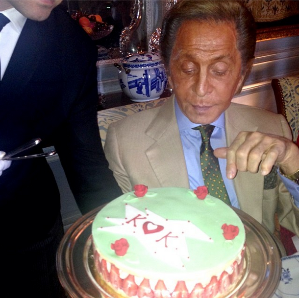 Posted by: Franca Sozzani Designer Valentino presents the soon-to-be married pair with a sugar-free cake made from green apples and strawberries during the pre-wedding lunch.