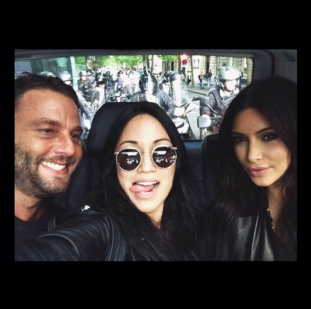 Posted by: Steph Shep Kim's pal gives us a look at what it's really like riding in the car with a Kardashian. Lots of paparazzi.
