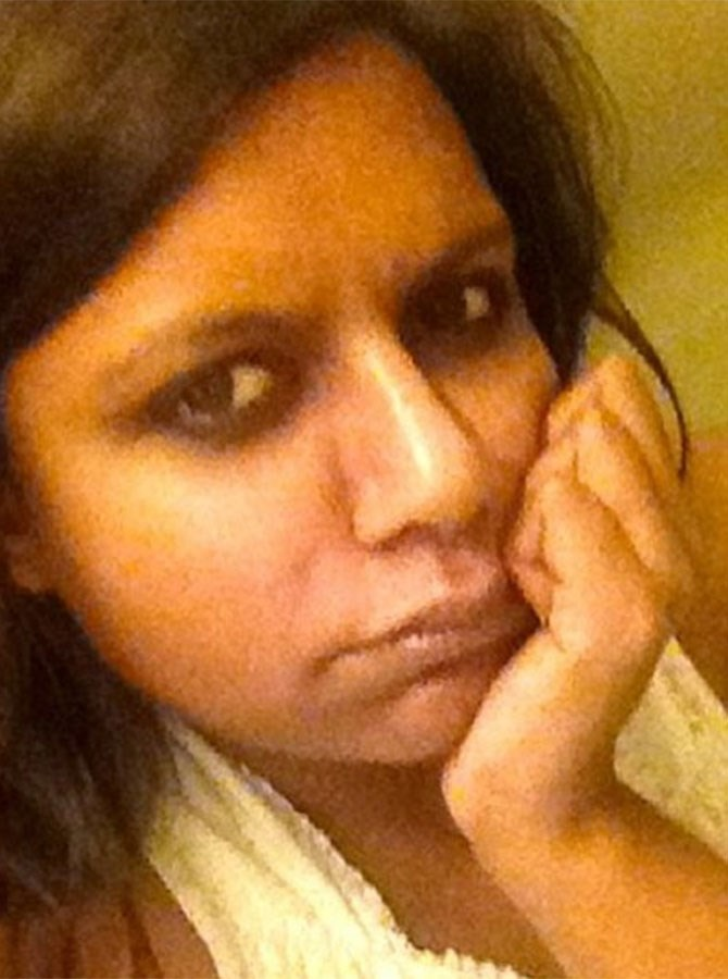 Mindy Kaling jumps on the makeup-free selfie bandwagon (but we suspect with a touch of irony).