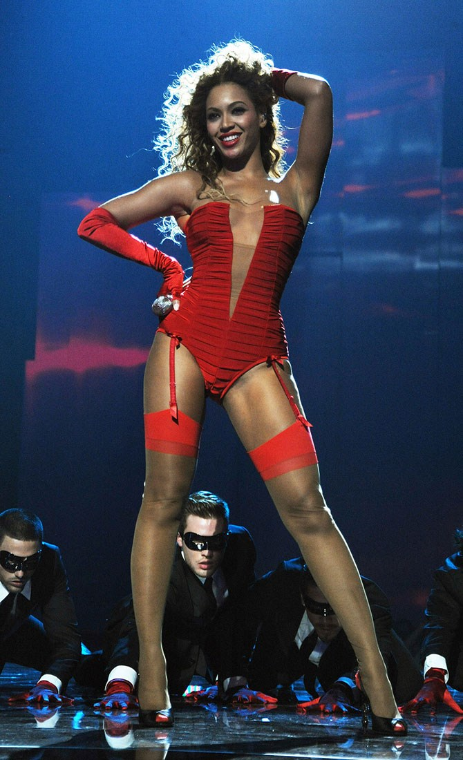 That time she brought her raciest bedroom lingerie out onto the stage, for the entire world to see, and men were *literally* crawling on their hands and knees to get up close to her.
