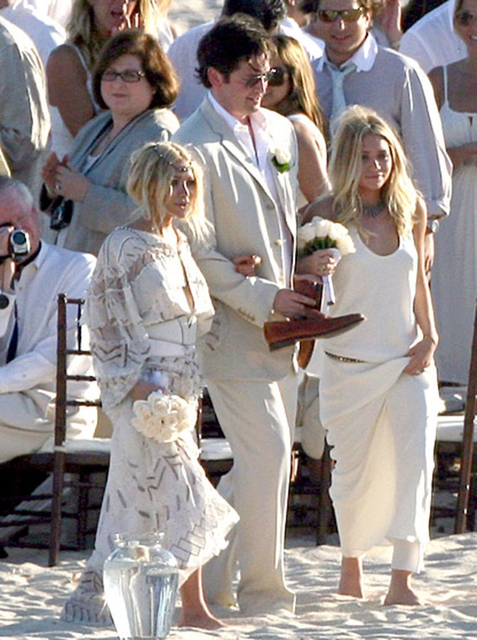 Mary Kate and Ashley Olsen didn't ditch one of their many signature styles when they signed up to be bridesmaids back in '07, looking every bit beach bohemian in Cabo.