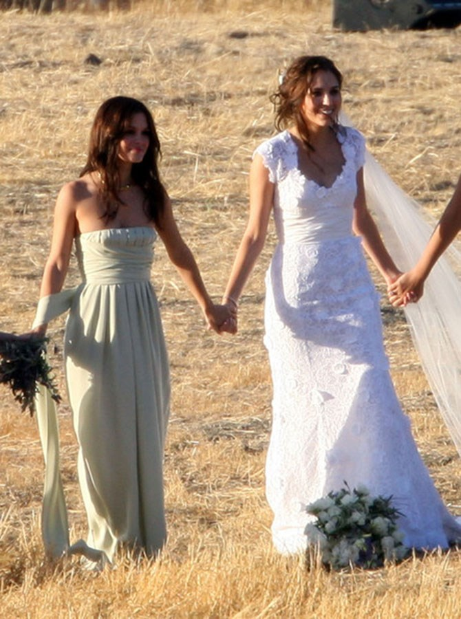 Rachel Bilson was all smiles as bestie Jill Stonerock said 'I do' to Josh Schwartz the brains behind some of our fave teen dramas The O.C. and Gossip Girl, as well as Chuck.