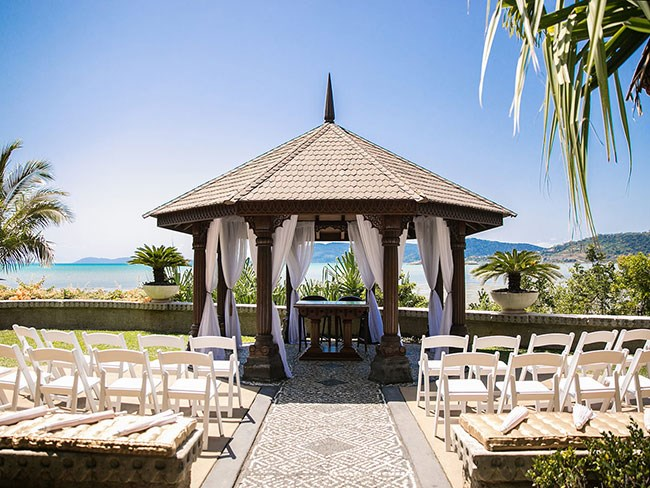 Win a wedding at Villa Botanica in Airlie Beach