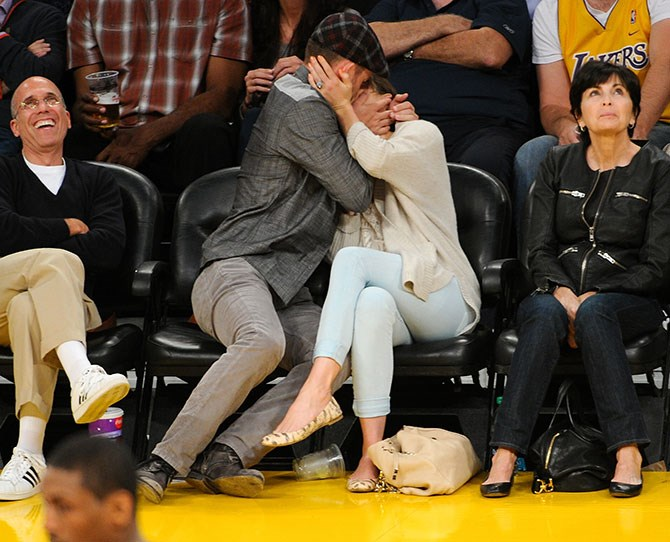 Justin Timberlake took the kiss-cam VERY seriously with Jessica Biel.