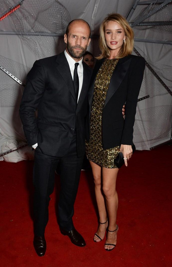 Rosie HW and Jaston Statham wear matching blazers, look sexy AF.