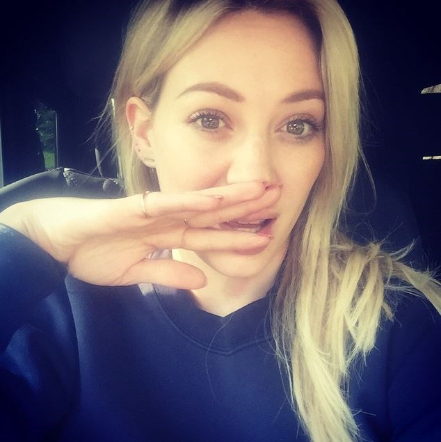 Hilary Duff's hair *used* to be the perfect shade of blonde.