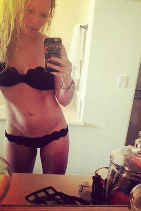 Hilary Duff didn't shy away from a bathroom selfie earlier this month. And we can ABSolutely see why.