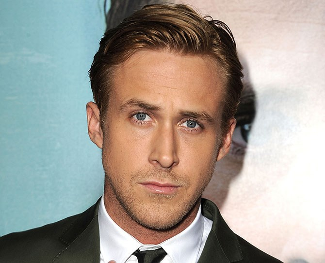See this right here? It's a pic of the Ryan Gosling we know and love with beautiful golden locks. BUT...