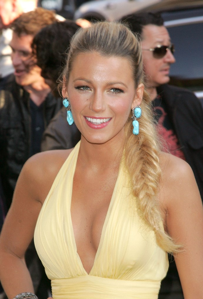 Looking every little bit the sun-kissed Californian girl that she is, Blake Lively gives us major mermaid vibes with her gorgeous fish tail braid.