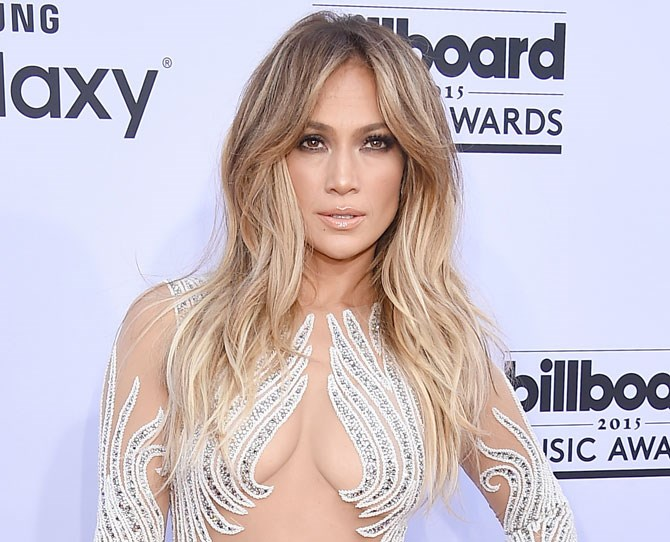 Jennifer 'Lush Hair' Lopez has traded in her signature bombshell hair for something COMPLETELY different.