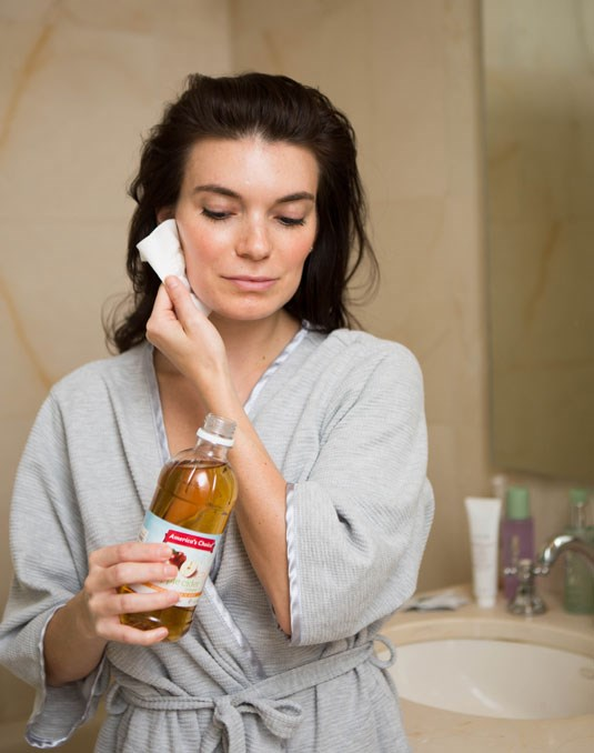 **6. Use apple cider vinegar as toner.** Since apple cider vinegar is a purifying agent and acts as an astringent, you can use it as a toner for your skin and, if you're prone to breakouts, along your T-zone to prevent blemishes.