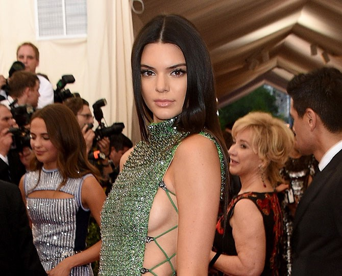 Kendall Jenner has just committed to super short hair and we're not sure how to feel.