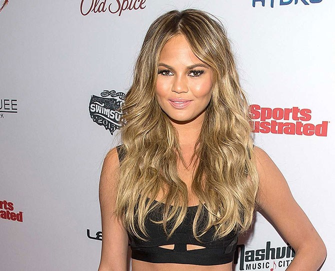 Chrissy Teigen can never put a foot wrong in our eyes. And her latest hair chop is no exception…