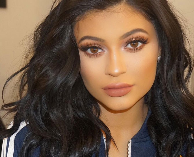 """By the looks of Kylie Jenner's Snapchats, she's lightened up her black hair to a gorgeous shade of [bronde](http://www.cosmopolitan.com.au/beauty/hair/2015/7/bronde-hair-colour-blake-lively/ target=""""_blank"""")…"""