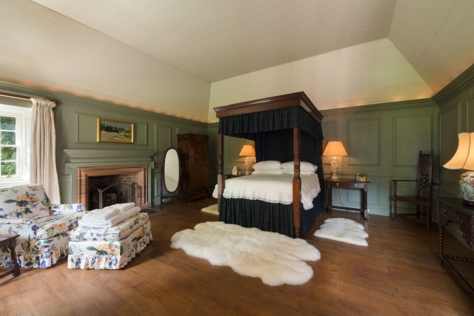 A four poster bed, naturally.