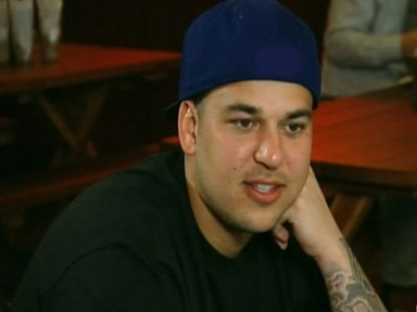 Rob Kardashian posts a slim selfie as he fights to lose 45 kg