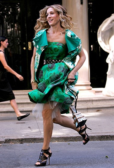 15. Only a *true* fashionista can run in her heels