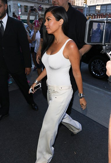 Kourtney showed that people really *do* wear white after Labour Day