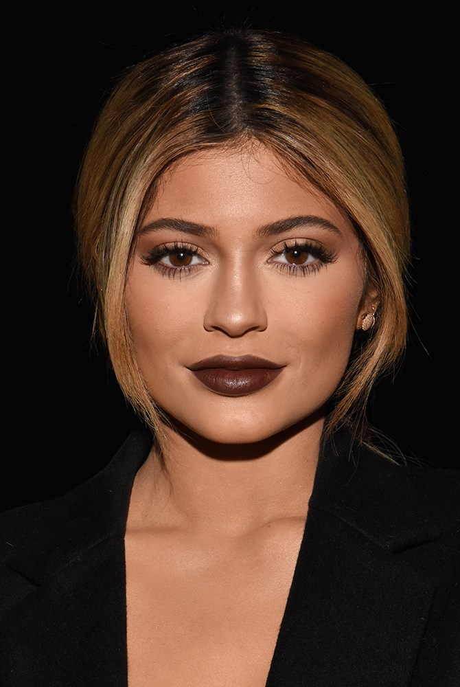 "**Chocolate lips NOW** Kylie Jenner's made it her signature pout and is [even releasing her own lipstick range](http://www.cosmopolitan.com.au/beauty/makeup/2015/8/kylie-jenner-launch-lipstick/|target=""_blank"").** **"